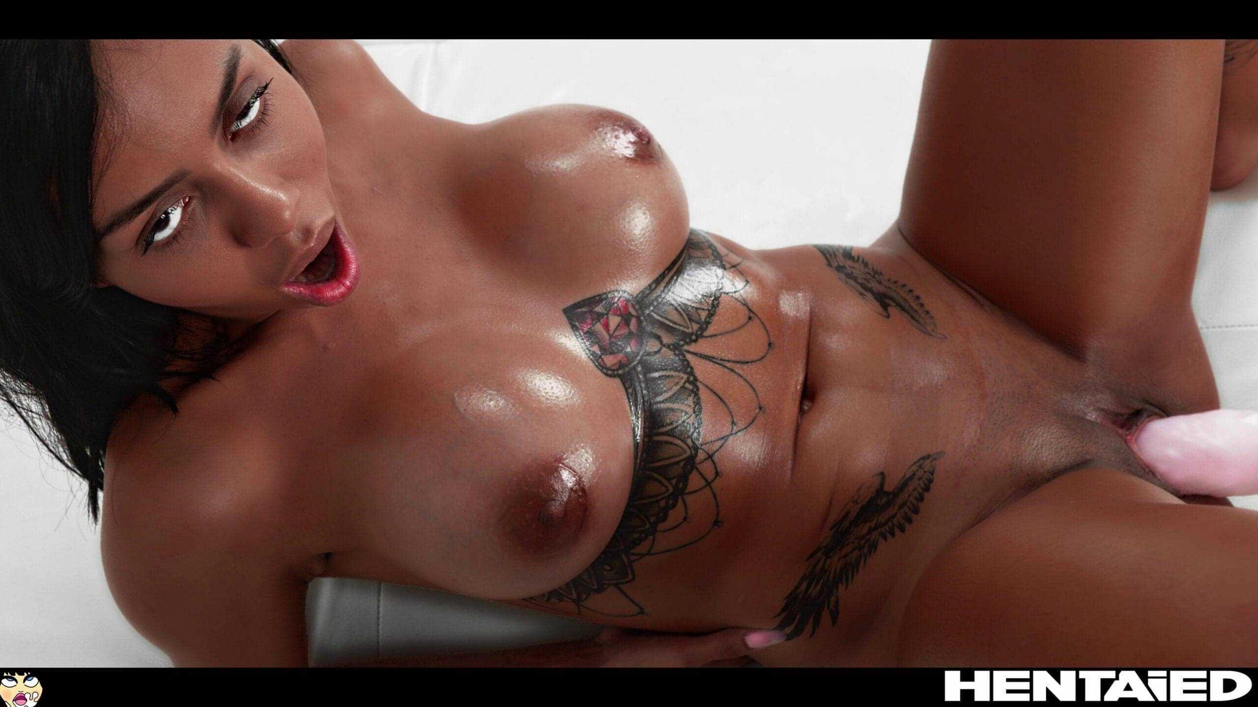 Canela Skin tattood pornstar dildo in pussy